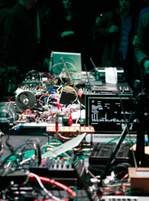 Symphony for a small machine is the result of a one-week collaboration between Leslie Garcia and Stefano Testa, during the Musicmakers hacklab organized by CTM / Transmediale.